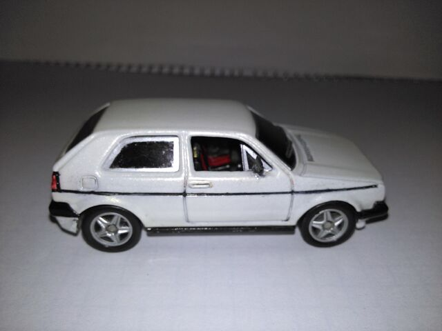File:Hot wheels VW golf custom2.jpg
