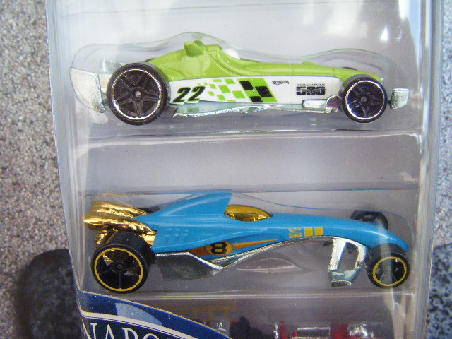 File:Hot Wheels 2012 5 pack Indianapolis 500 mid.JPG