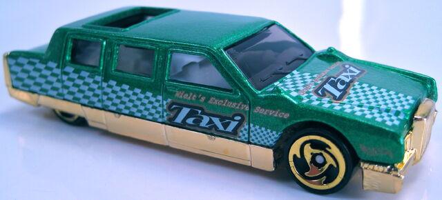 File:Limozeen green metallic 2001 Turbo Taxi Series.JPG
