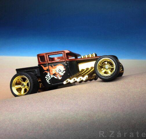 File:Bone Shaker 2009 Hot Wheels Larry's Garage Series -19 of 20 IMG 2828.jpg