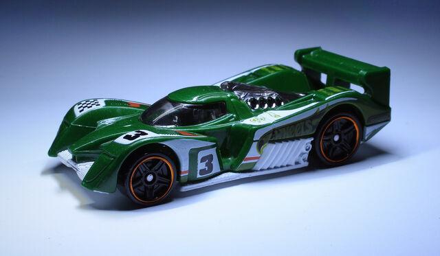 File:24 Ours (2014 HW Race-green).jpg