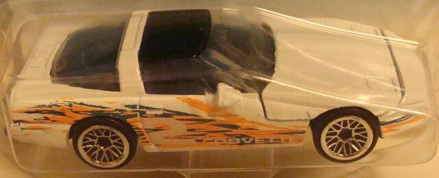 File:616 '80's Corvette.jpg