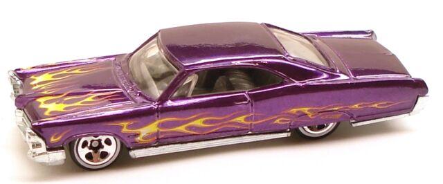 File:65pontiacbonneville classic purple.JPG