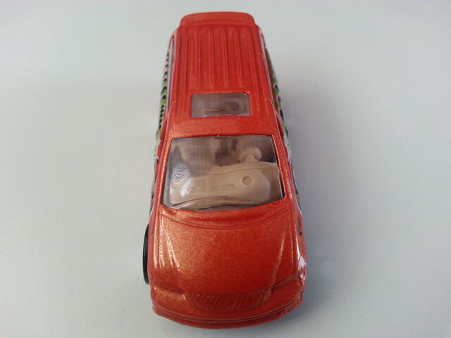 File:Dodge Caravan front.jpg