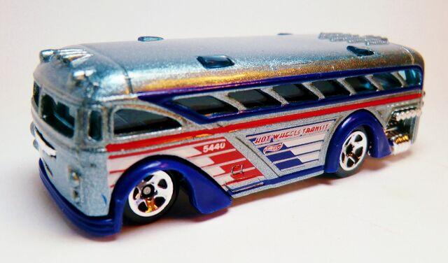 File:Surfin' School Bus-136-2012 HW City Works Series.jpg