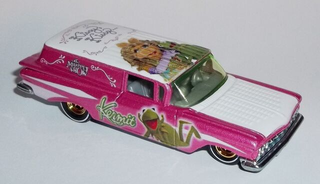 File:HW-Muppets-'59 Chevy Delivery-Kermit and Miss Piggy.jpg