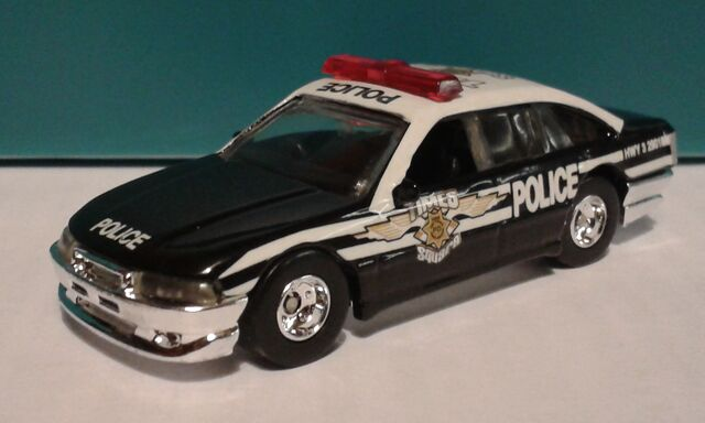 File:HW-police-cruiser-NYPD.jpg