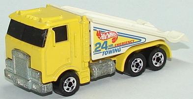 File:Ramp Truck Yelbw.JPG