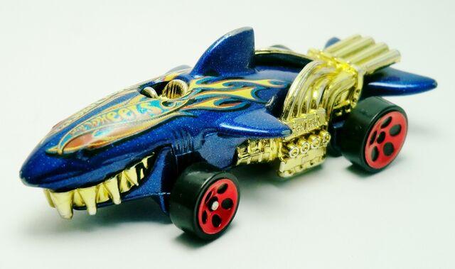 File:Sharkruiser-198 2004.jpg