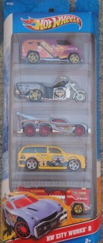File:Hot wheels 2012 5 pack city works.jpg