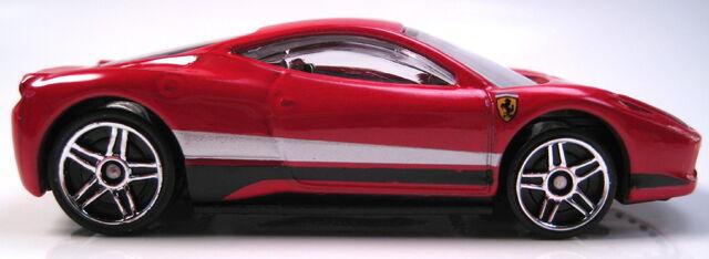 File:Ferrari 458 Italia red profile.JPG