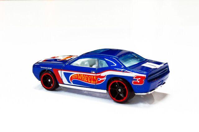 File:Dodge Challenger SRT8 2008 - 02.JPG