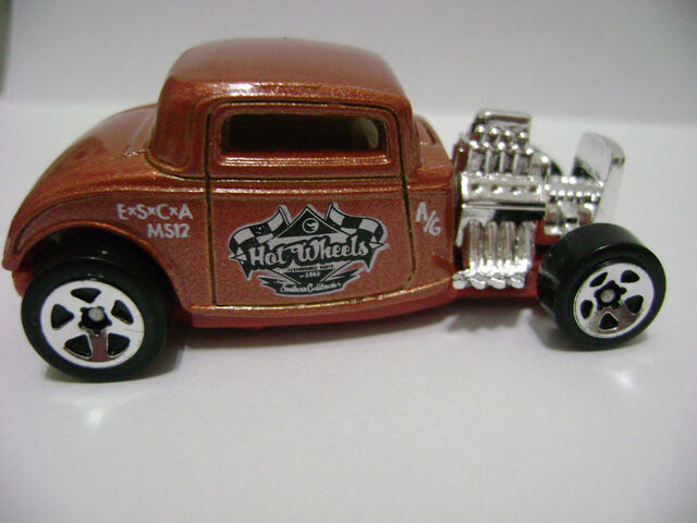 File:2008-5P-Customizers Corner Shop-'32 Ford.jpg