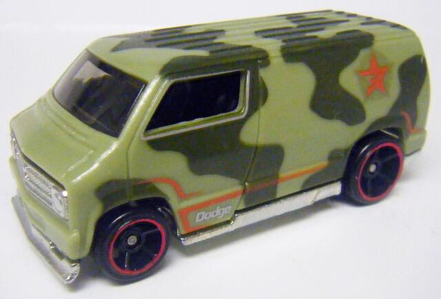 File:77 Dodge Van - Colorshifter Warm.JPG