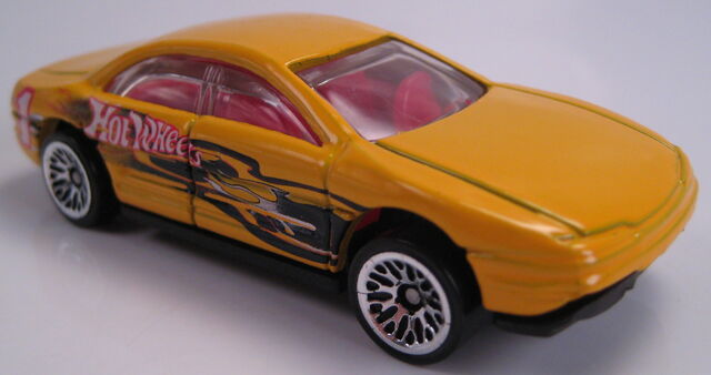 File:Oldsmobile Aurora yellow 2001.JPG