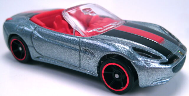 File:Ferrari California HW all stars 2012 silver metalflake.JPG