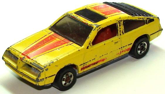 File:Pontiac J-2000 YelSm.JPG