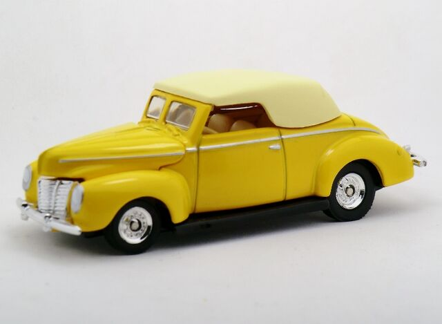 File:'40 Ford Convertible-2003 100% Yellow.jpg
