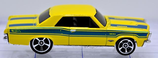 File:65-pontiac-gto-yellow-hw.JPG