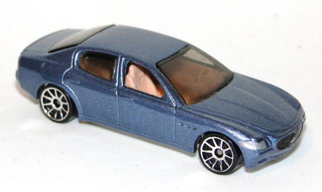 File:Maseratti Quattroporte.jpg