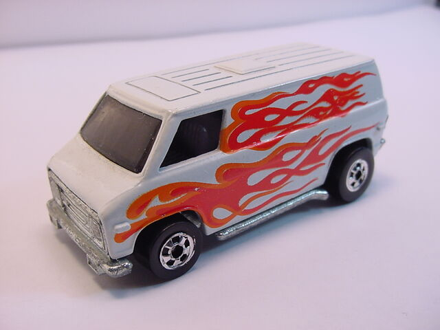 File:1980 Super van White W-flames BW HK Fcolors.jpg