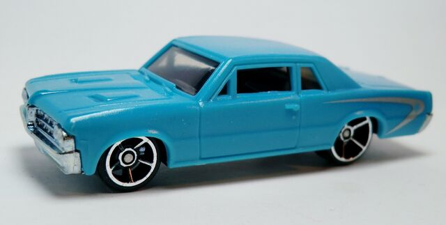 File:'64 Pontiac GTO-2012.Light Speeders.jpg