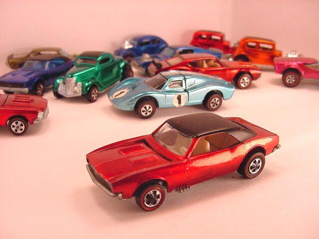 File:68 camaro US Red Black roof Flyin Colors.jpg