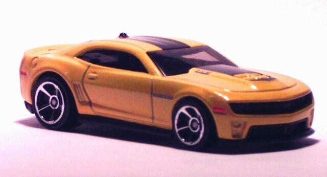 File:2012 Camaro Yellow.jpg