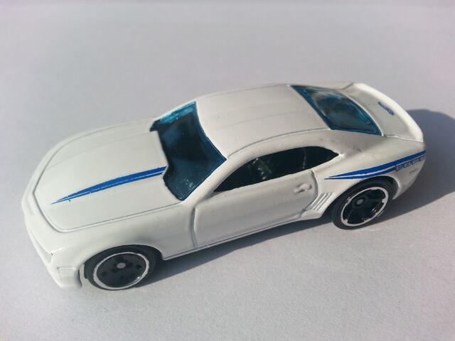 File:'14 COPO Camaro side.jpg