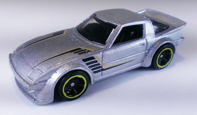 File:MazdaRX7X6999.jpg