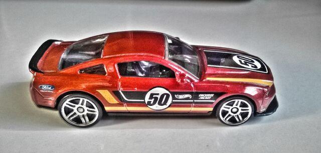 File:Hot Wheels '12 Ford Mustang Boss 302 Laguna Seca.jpg