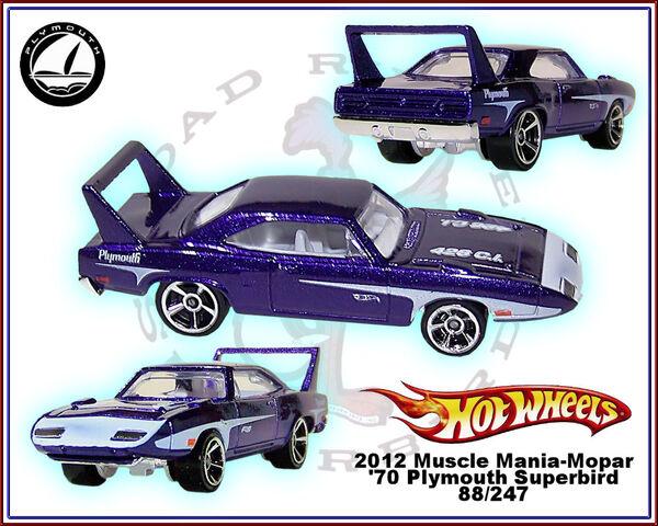 File:2012 Muscle Mania-Mopar 70 Plymouth Superbird 88-247.jpg