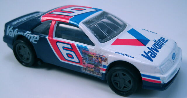 File:T-Bird Stocker Pro Circuit valvoline mark martin.JPG