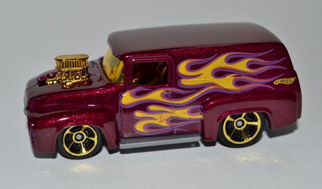 File:2011 '56 Ford F100 Plum 004 50.jpg