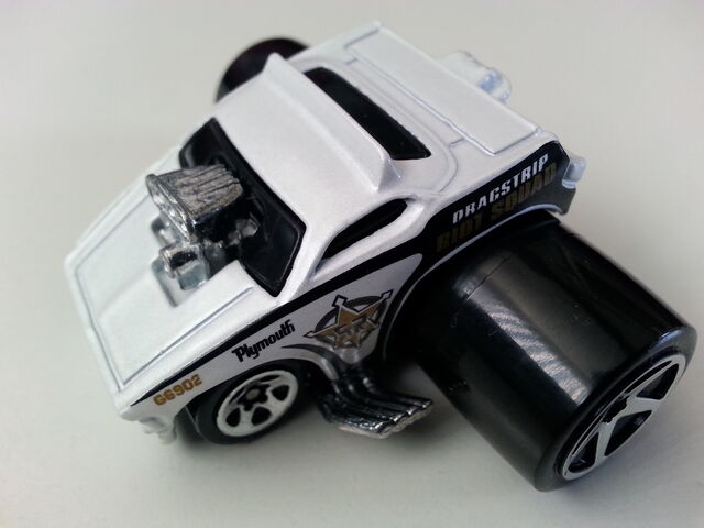File:Plymouth Barracuda (Fatbax) 1side.jpg
