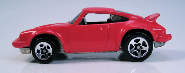 File:Porsche p-911 red large rear 5sp side view.JPG