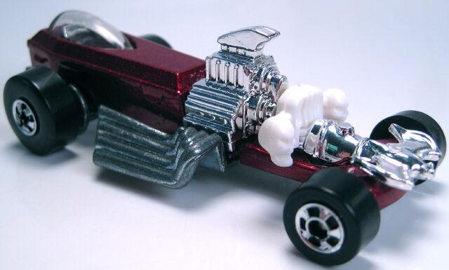 File:Rigor motor red metallic BW 1994.JPG
