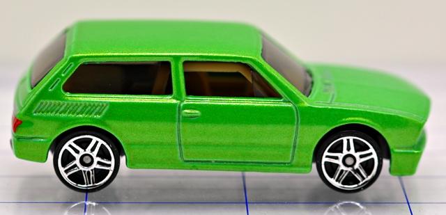 File:73-volkswagon-brasilia-green-hw.JPG
