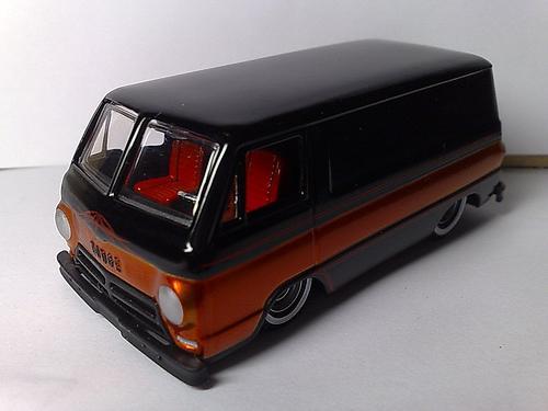 File:'70 Dodge A100 3 thumb.jpg