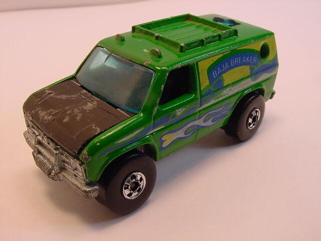 File:1980 Baja breaker green - blue tampo BW.jpg