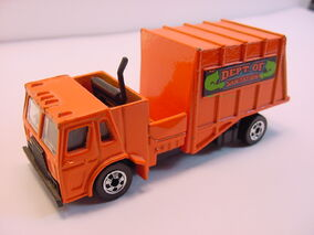 1982 trash truck mala orange blue