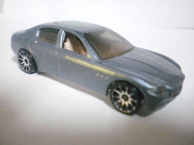 File:Maserati quattroporte 2004 realistics.JPG