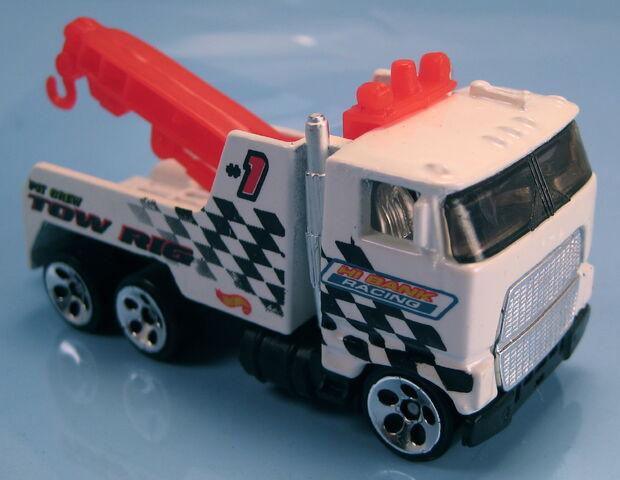 File:Rig wrecker HO5 wheels 2001 .JPG