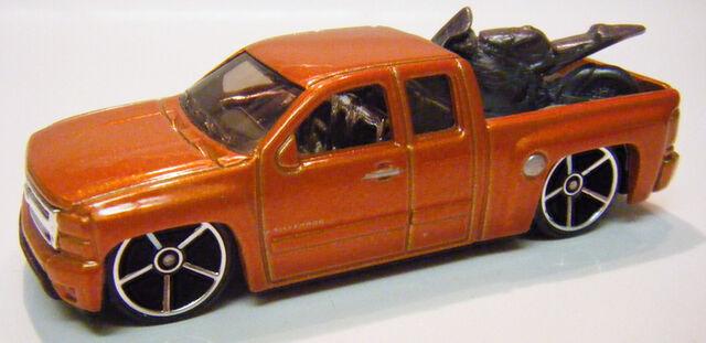 File:Silverado - 07FE Orange.JPG