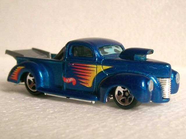 File:Ford 40 drag pick up.jpg