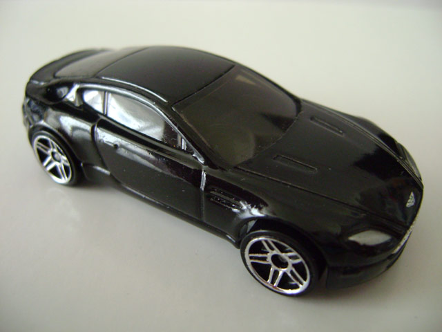 File:Astonmartin.black.jpg