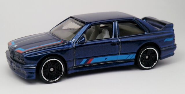 File:'92 BMW M3-2013 172 Blue.jpg