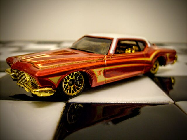 File:Hot Wheels (Treasure Hunts) Buick Riviera 2011.JPG