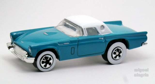 File:'57 T-Bird-1998 FAO '50's Set.jpg