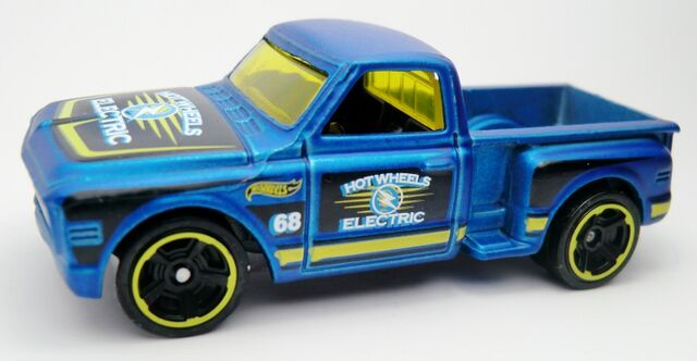File:Custom '69 Chevy-2012 140 Satin Blue.jpg
